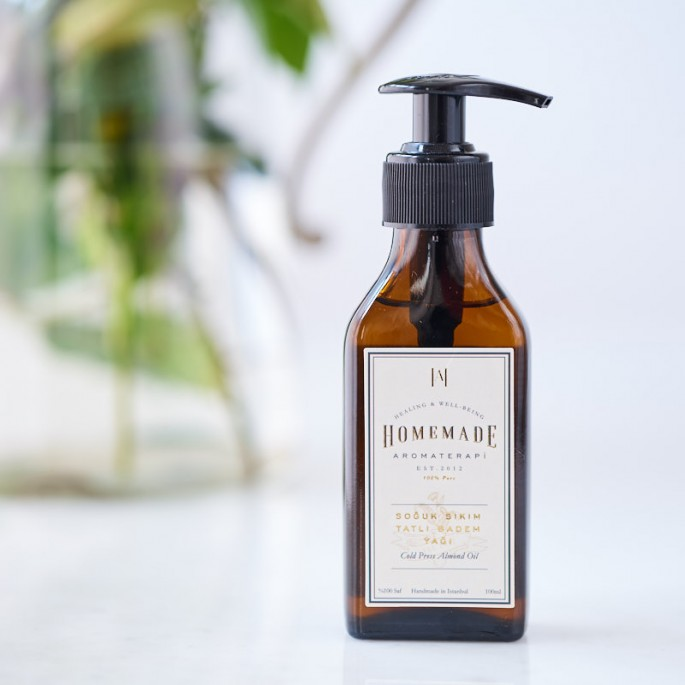 Cold-pressed Sweet Almond Oil